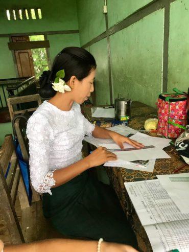 ミャンマーの花屋 byアサ
