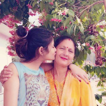 ネパール語で母の日は「Mata Tirta Aawsi」といいます。