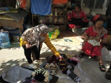 ネパール:国内向け商品サンプル製造開始
